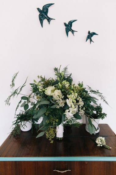 Green & White Bridal Bouquet | Stylish London Wedding at Kachette | Eclection Photography