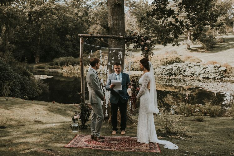 Outdoor wedding | Boho vibes | Image by Louise Scott