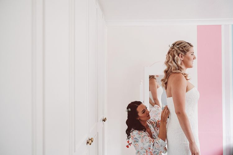 Getting Ready | Bride in Lace Dress from Isabella Grace Bridal Boutique | Lemonade Pictures