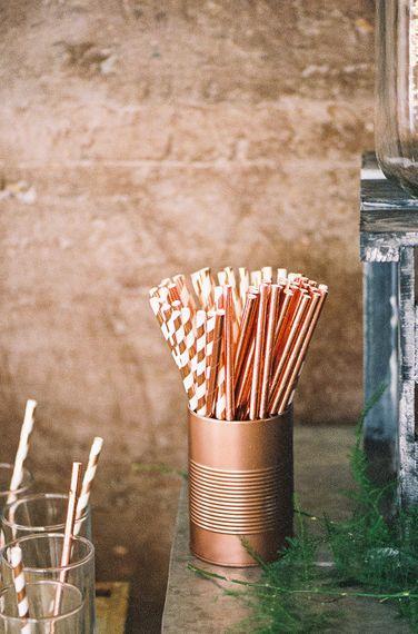 #crowedding stripey straw decor