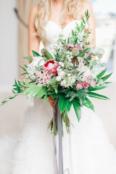 Oversized Bouquet | White Stag Wedding Photography
