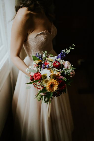 Bright Bouquet | Bride in Watters Blush Ahsan Skirt & Carina Corset Bridal Separates | London Townhall Hotel Wedding | Irene Yap Photography