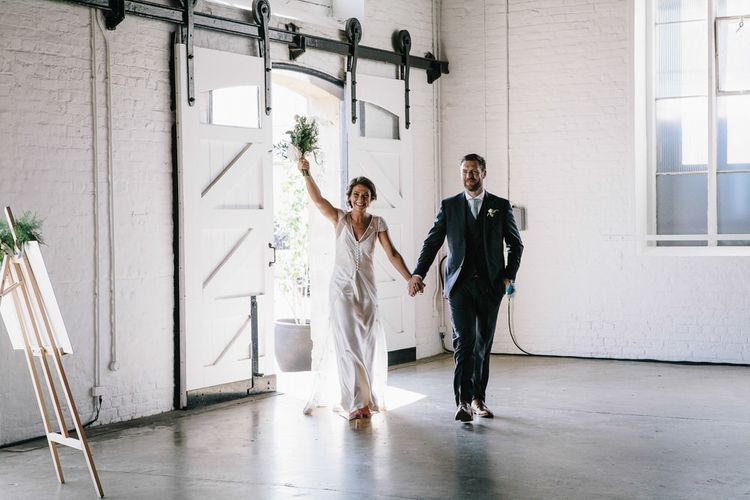 Trinity Buoy Wharf Wedding With Bride In Otaduy And Planning By Liz Linkleter Events Flowers By Grace And Thorn Images From My Beautiful Bride Photography