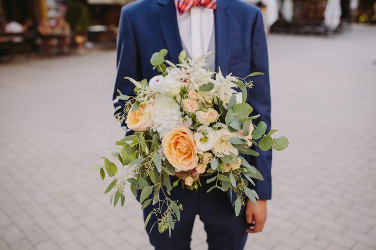 Peach & White Bridal Bouquet | Raquel Benito Photography