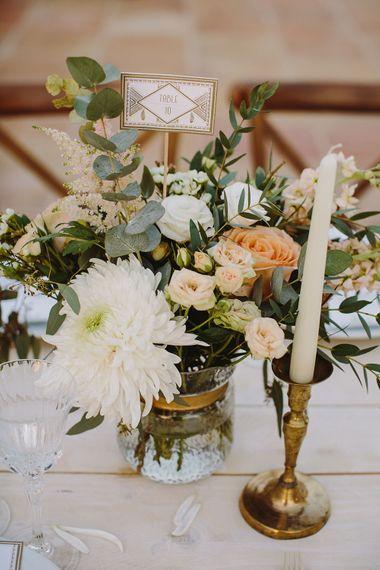 Each & Gold Table Decor | Outdoor Las Cicadas Ibiza Destination Wedding | Raquel Benito Photography