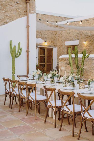 Peach & Gold Tablescape | Outdoor Las Cicadas Ibiza Destination Wedding | Raquel Benito Photography