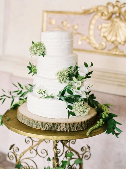 "Foliage Decorated Wedding Cake | Summer Styling Redefined | Cake by <a href=""https://www.averybelovedwedding.com"" rel=""noopener"" target=""_blank"">A Very Beloved Wedding</a> 