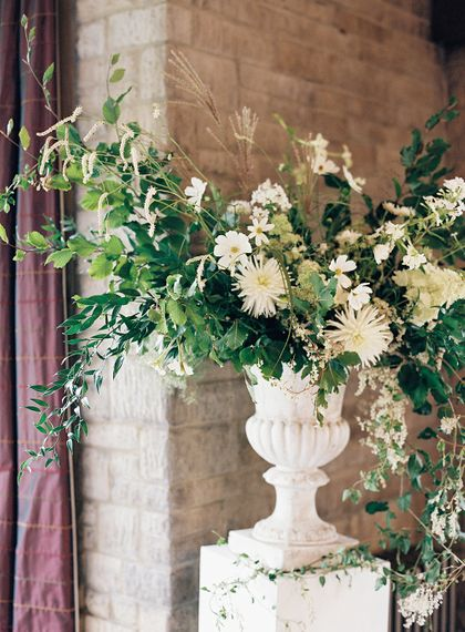 "Summer White Florals | Summer Styling Reimagined | Florals by <a href=""https://www.vervainflowers.co.uk/"" rel=""noopener"" target=""_blank"">Vervain </a> 