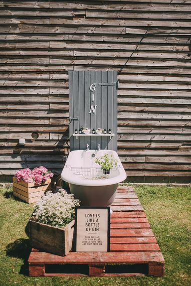 "Gin Bath For Wedding // <a href=""https://m.facebook.com/originalginbath/"" rel=""noopener"" target=""_blank"">The Original Gin Bath</a> // Image By Holly Rose Photography"