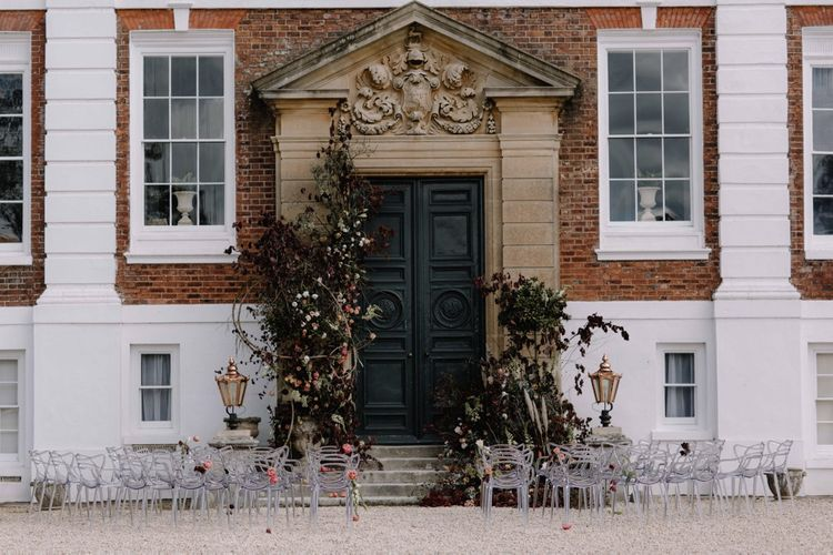 Pynes House Devon Facade | Floral Installation By Jay Archer | Image by Rebecca Goddard