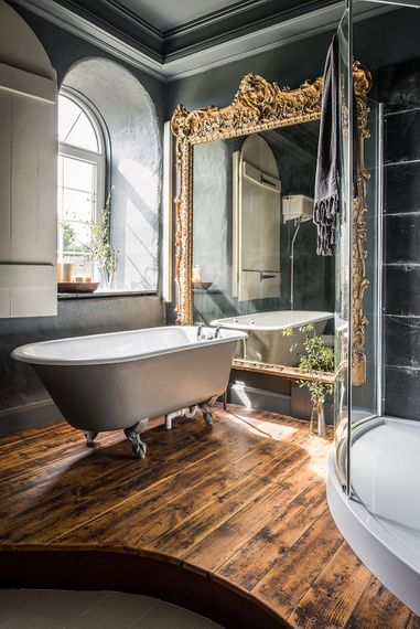 Luxurious Bathroom | The Stack Cornwall | Intimate Exclusive Hire Wedding Venue