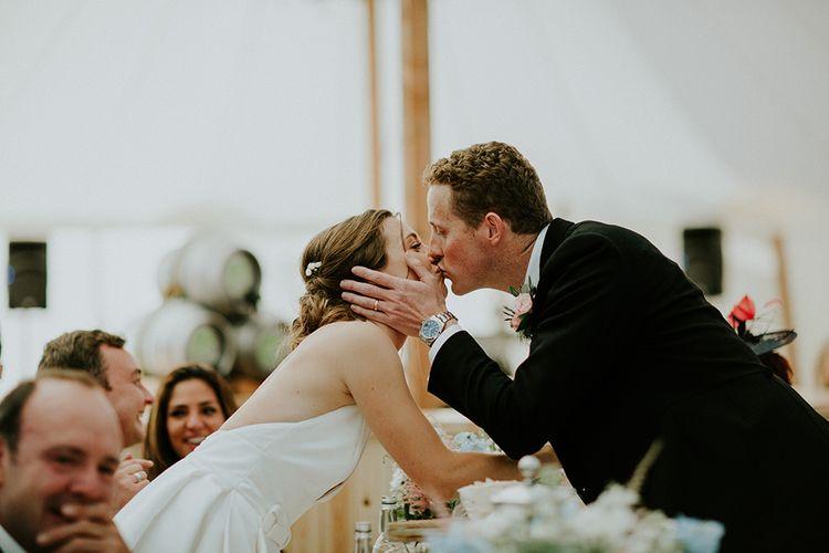Wedding smooches
