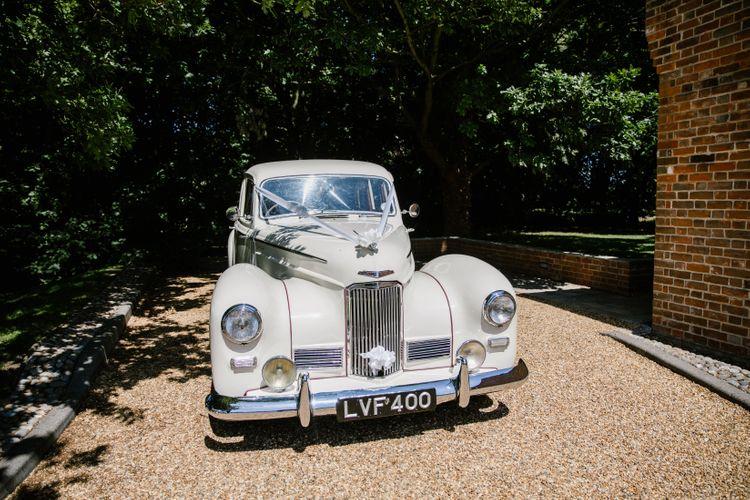 Vintage Wedding Car For Bride