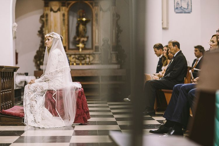 Wedding Ceremony | Bride in Yolan Cris Lace Wedding Dress | Groom in Corvus Barcelona Suit | Sara Frost Photography | AMS Love in Video