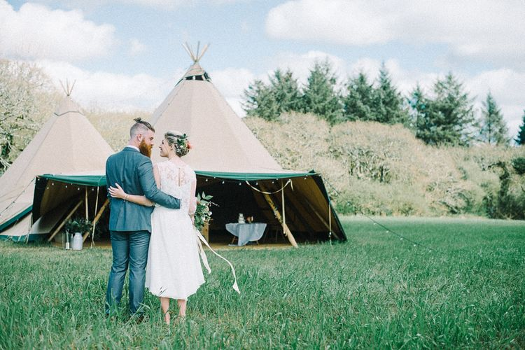 Wild Tipi Rustic Inspiration with Bride in Claire L Headdon Bridal Gown | Images by Olivia Bossert Photography |