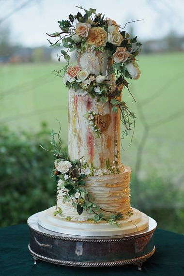 Wedding Cake By The Frostery
