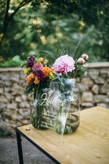 Acrylic Wedding Sign | Wedding Decor | Tropical Themed Wedding in Costa Brava at Masia Ribas With Planning & Styling by Detallerie And Images from Diez & Bordons