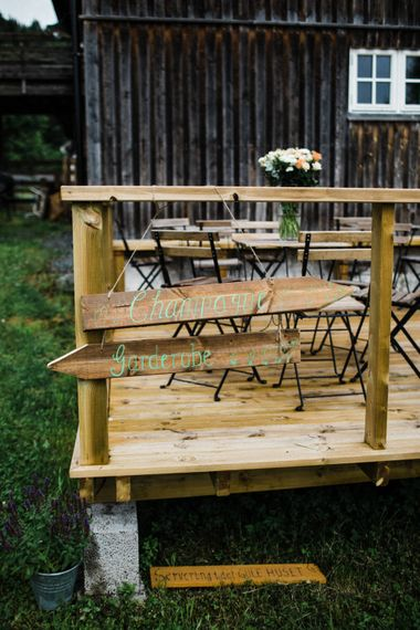 Wood Wedding Sign | Woodland Wedding in Oslo, Norway | Through The Woods We Ran