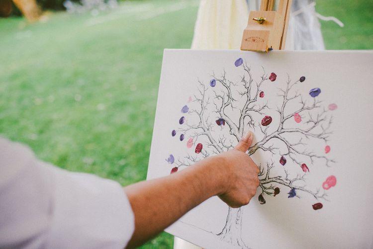 Alternative Guest Book for Your Wedding Day | Fingerprint Guest Book | Roberta Matis Photography