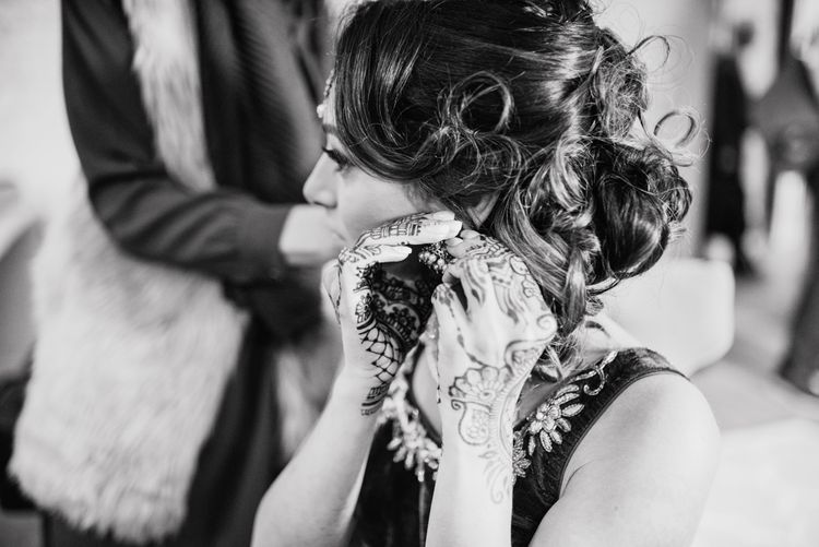 Bride's Morning Preparations // Anglo Indian Fusion Wedding // Wharfedale Grange, Yorkshire // Photography by Kazooieloki.