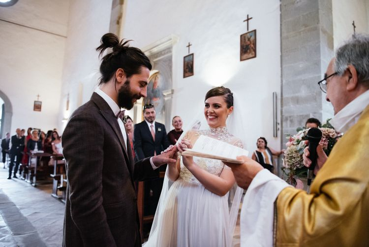 Wedding Ceremony | Bride in Sartoria Cucciaioni Wedding Dress | Groom in Brown Tweed Suit & Bow Tie | Stylish Pink Wedding at Terzo di Danciano, Tuscany, Italy | Lucrezia Senserini Photography | Film by Righi Photography