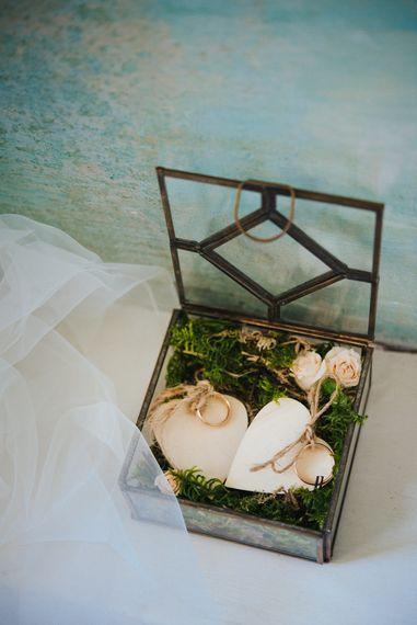 Vintage Ring Box | Stylish Pink Wedding at Terzo di Danciano, Tuscany, Italy | Lucrezia Senserini Photography | Film by Righi Photography
