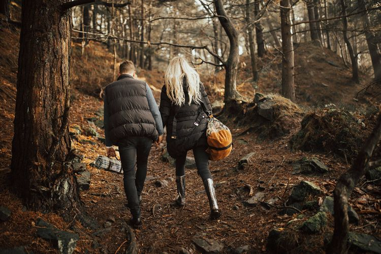 Autumnal Woodland Engagement Shoot at Buxton in the Peak District   Sun Spray Pre Wedding Portraits   Katie Ingram Photography