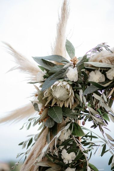 Wedding decor with pampas grass
