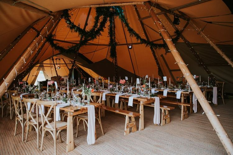Table decor for tipi wedding