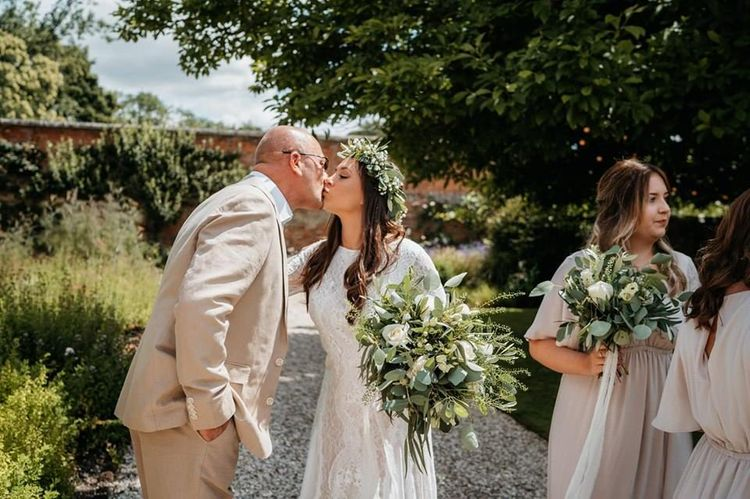 Bride kisses father before ceremony