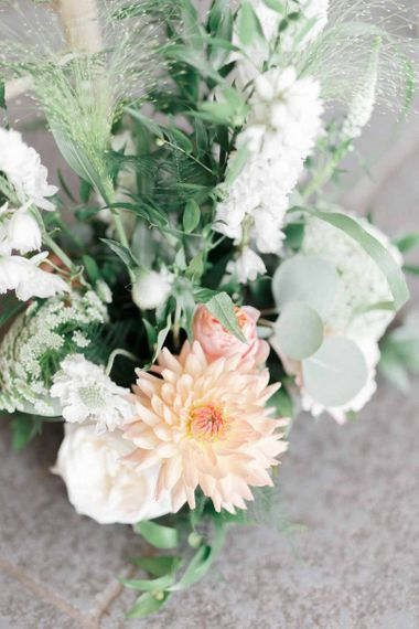 Wedding flowers in peach and pink for intimate wedding