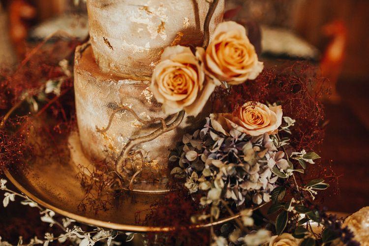 Stunning wedding cake with flower detail