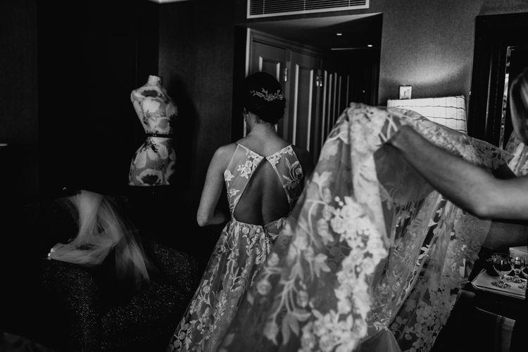 Wedding Morning Bridal Preparations with Bird ein Lace Fleur de lis Hayley Paige Wedding Dress