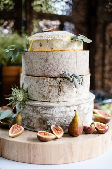 Wedding Cheese Tower // How To Create The Perfect Wedding Cheese Tower // Image By Ann Kathrin Koch