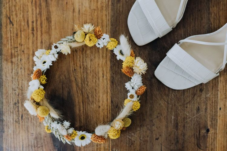 Yellow dried flower wedding crown for minimalist yellow wedding theme