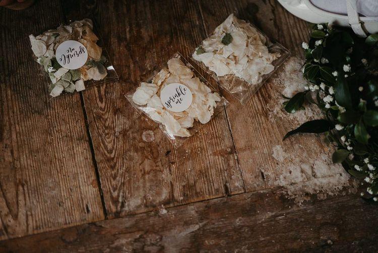 Confetti petals for wedding
