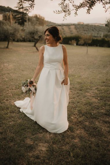 Sleeveless Rosa Clara wedding dress with low back