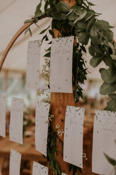 Hoop table plan for wedding decor