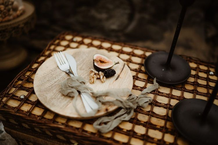Wooden plate for elopement picnic