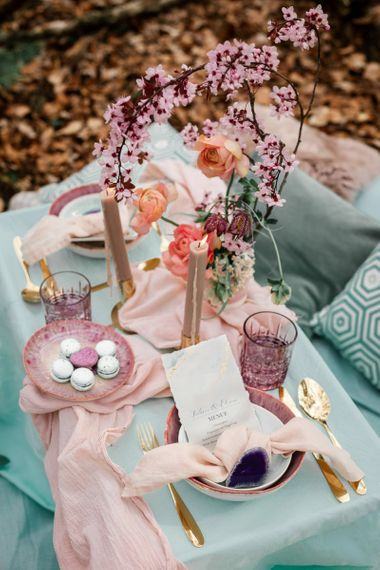 Intimate Table Setting with Turquoise and Pink Table Decor