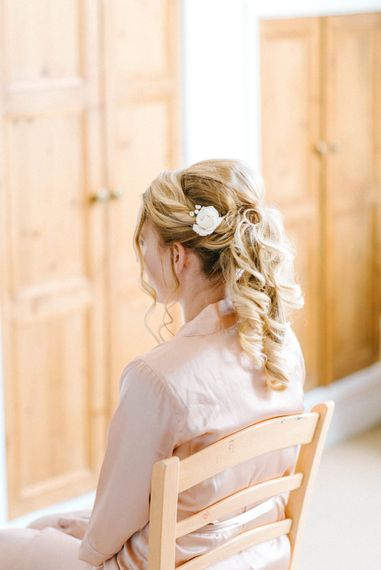 Bridal Morning Preparations   Hazel Gap Barn Wedding with Bride Arriving by Kit Car   Sarah-Jane Ethan Photography