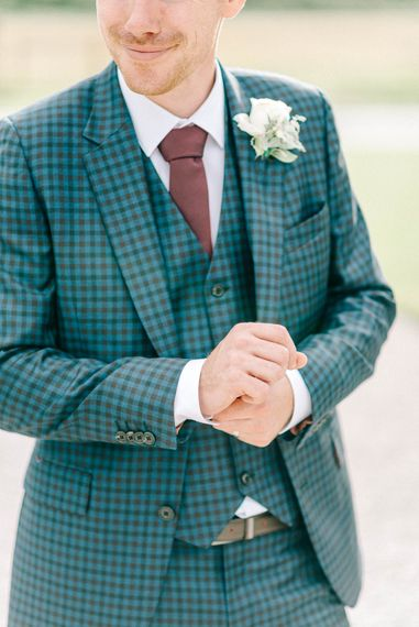 Groom in Blue Check Paul Smith Suit   Loose Bouquet of White Flowers and Foliage   Hazel Gap Barn Wedding with Bride Arriving by Kit Car   Sarah-Jane Ethan Photography