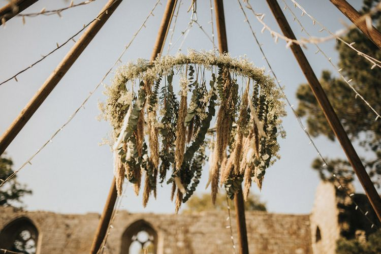 Dried Grass and Foliage Floral Chandelier