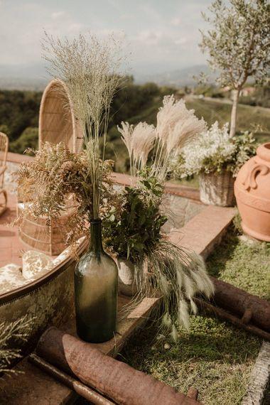 Pampas grass and natural decor at Fattoria Montechiari