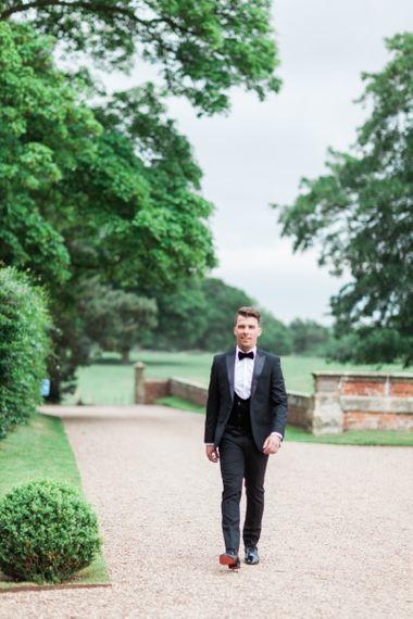 Black Tie Suit with Bow Tie an Horseshoe Waistcoat