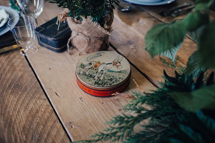 Vintage Muffin The Mule Tin as Table Wedding Decor