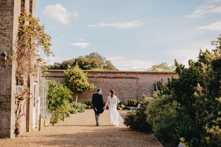 Bride & Groom | Holkham Hall Norfolk Wedding Venue | How to Theme Your Wedding to Compliment Your Wedding Venue  | Tori Hancock Photography