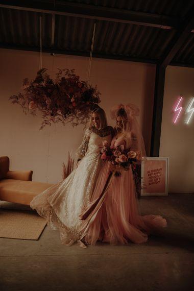 婚纱礼服和婚礼的女人