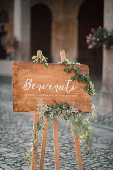 Wooden wedding sign for Italian wedding