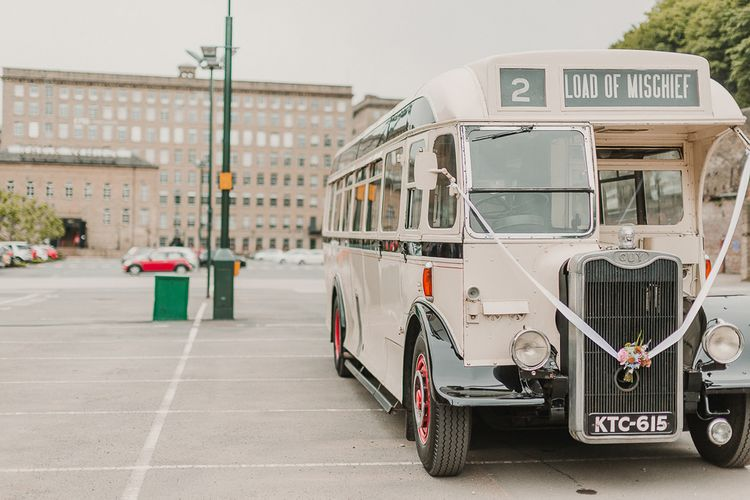Vintage Bus Transport For Wedding / Image By Lianne Gray Photography